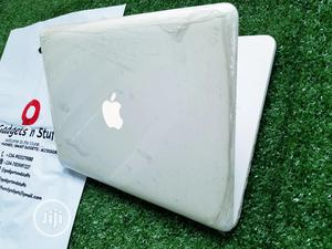 Laptop Apple MacBook 4GB Intel Core 2 Duo HDD 250GB | Laptops & Computers for sale in Lagos State, Alimosho