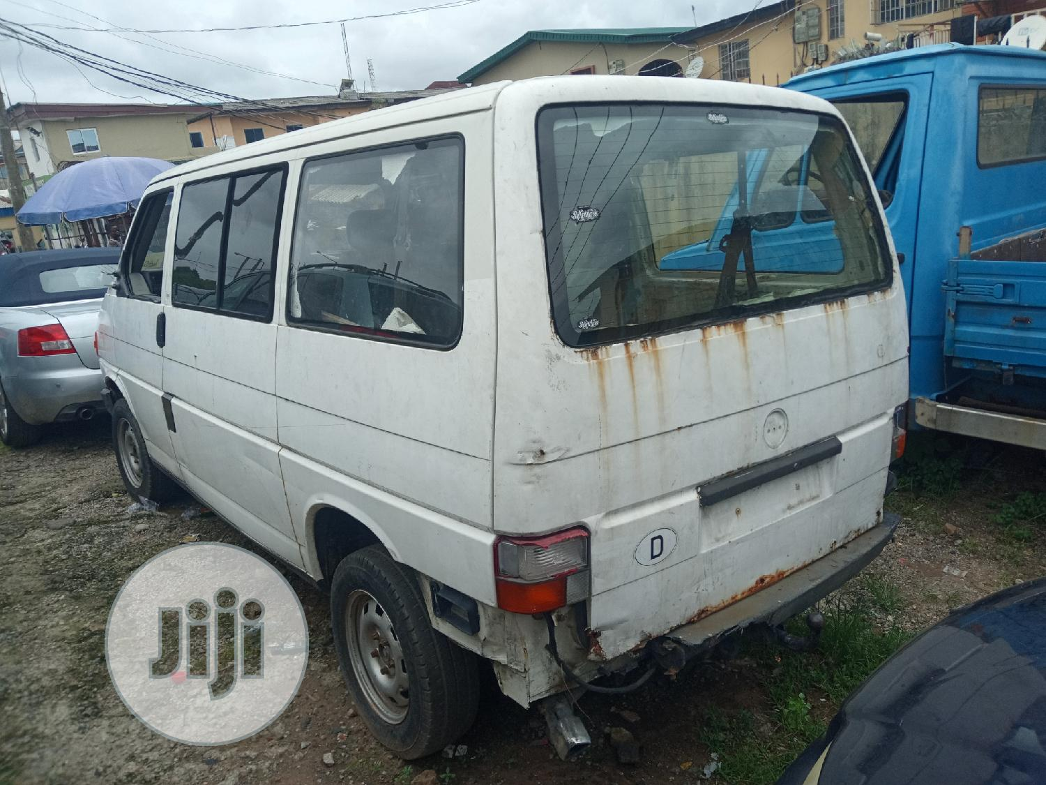 Tokunbo Volkswagen T4 2001 | Buses & Microbuses for sale in Isolo, Lagos State, Nigeria