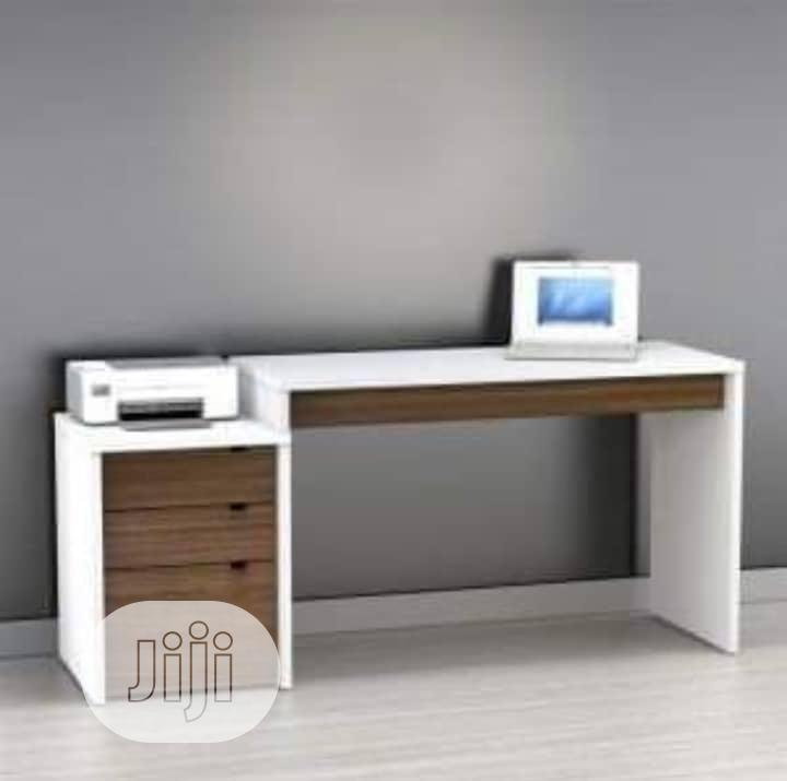 Manager Table With Mobile Drawer