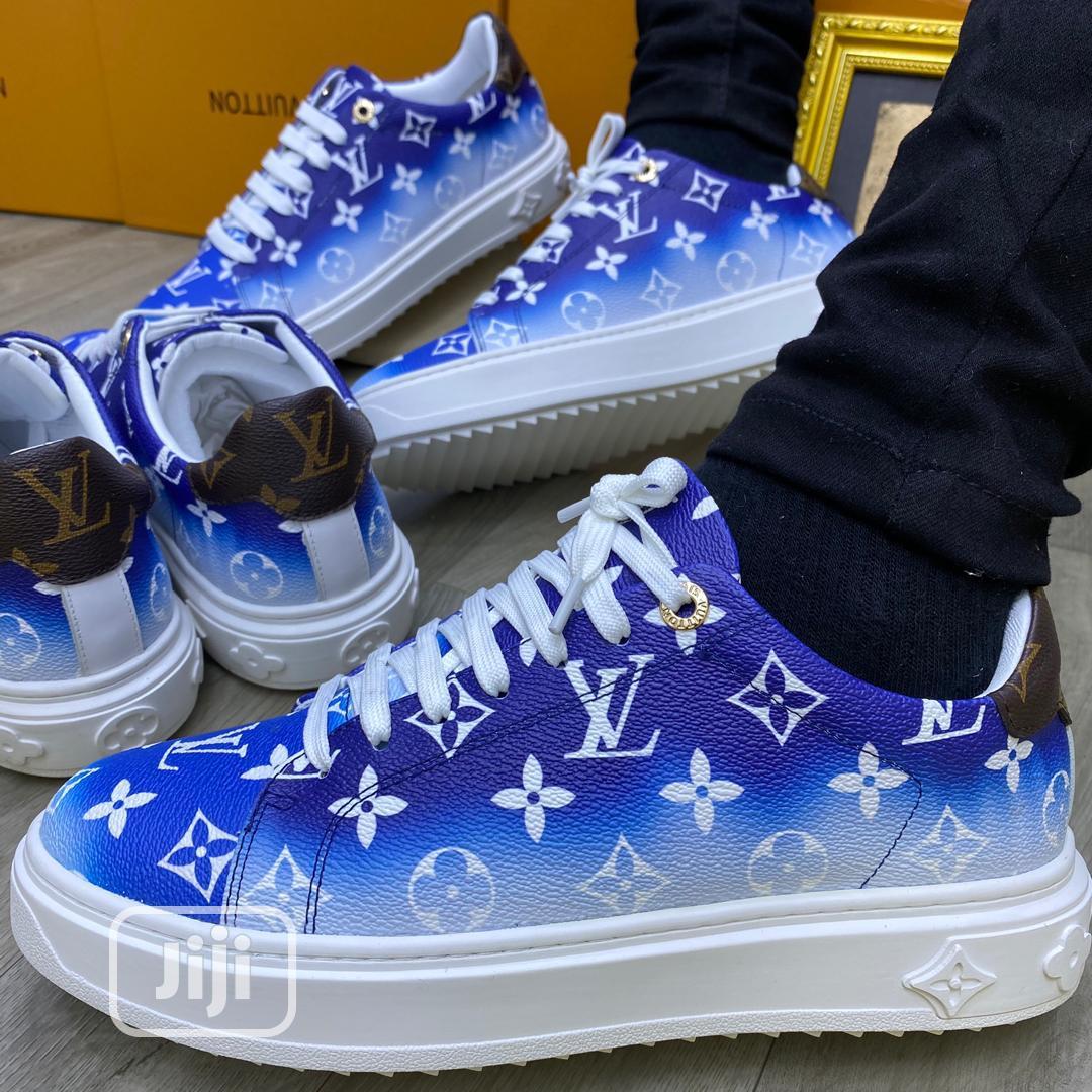 Louis Vuitton Sneaker Leather •WHITE
