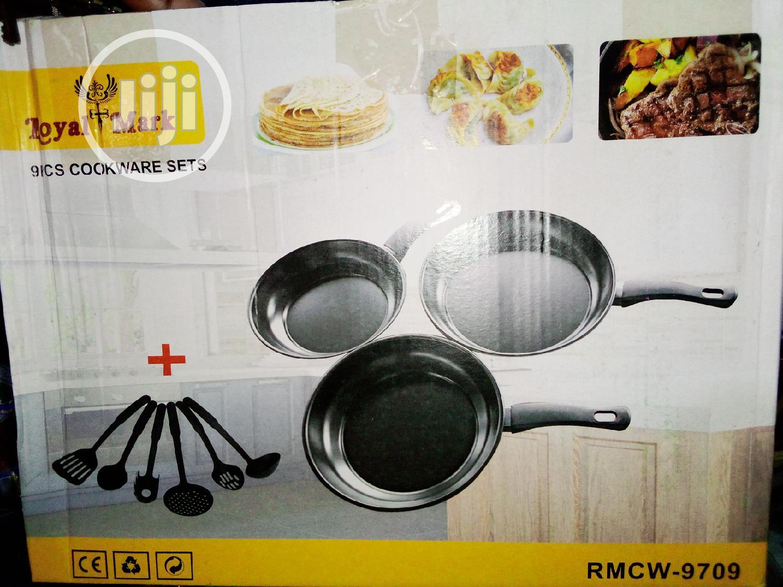 Archive: 9 Pcs Cookware Set