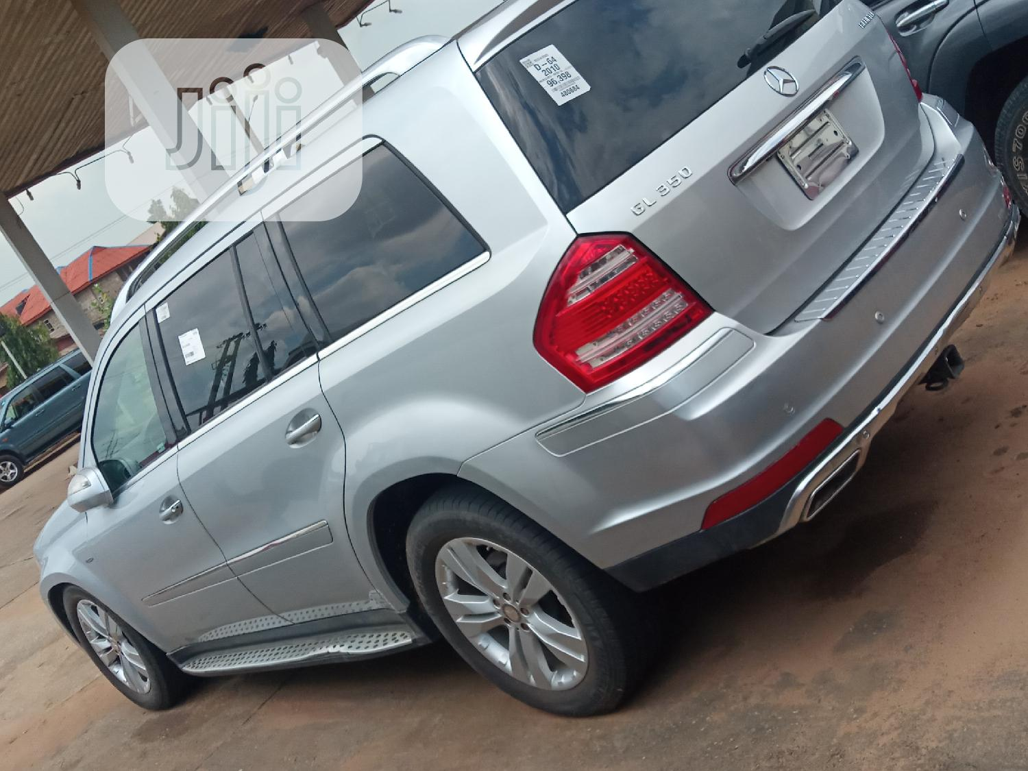 Archive: Mercedes-Benz GL Class 2010 Silver