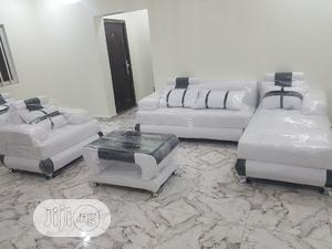 Modern Design L Shape With Single &Center Table | Furniture for sale in Lagos State, Surulere