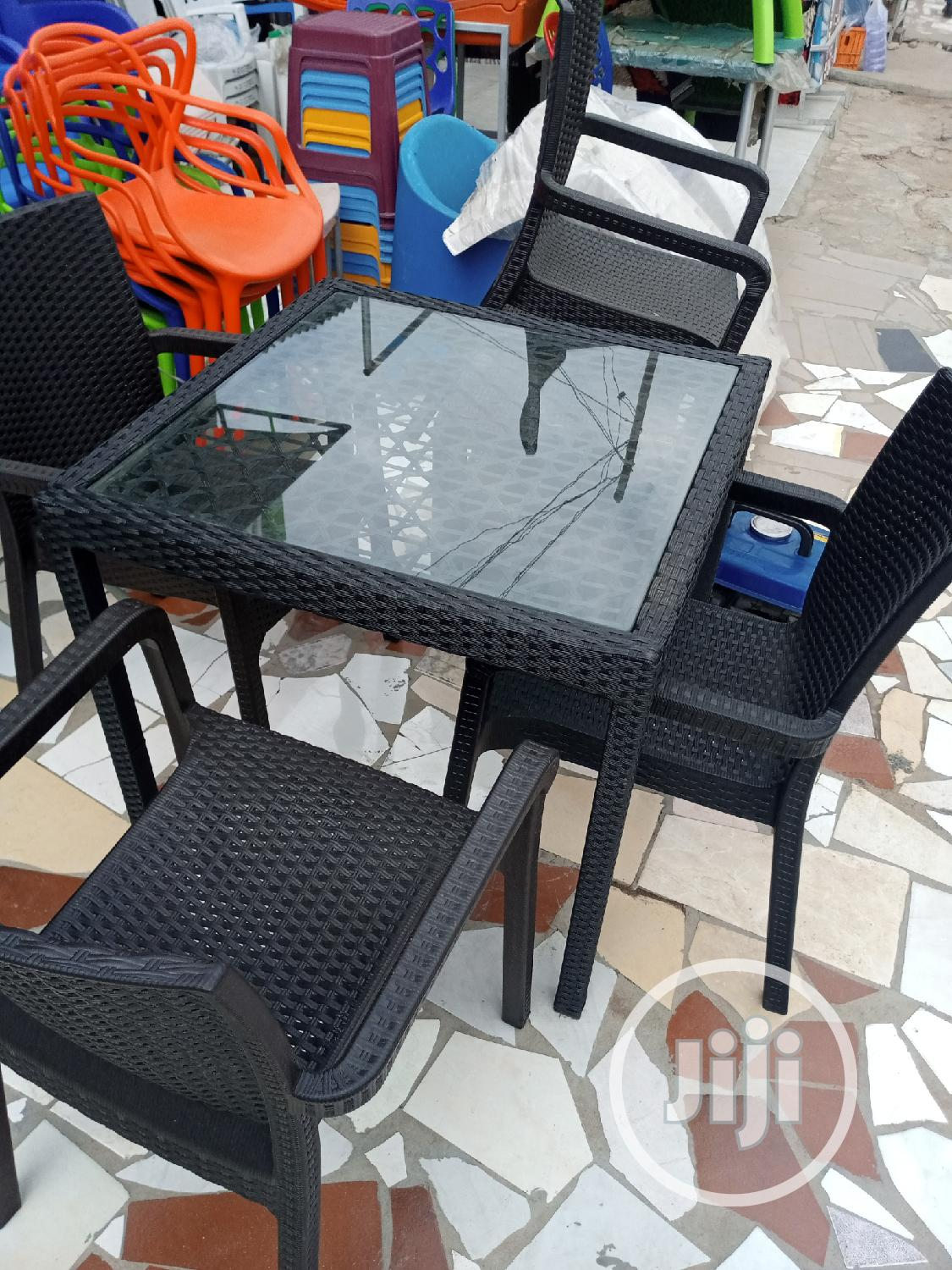 Quality Gardening Table