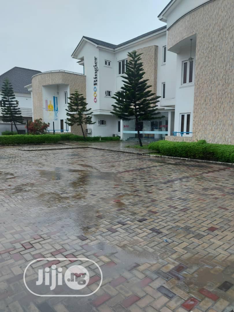 Archive: Modern 5 Bedroom Terrace Duplex For Rent At Oniru Lagos