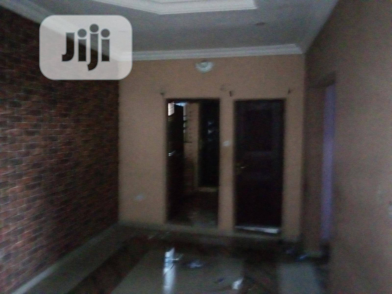 2 Bedroom Flat to Let at Okebaale Area, Osogbo | Houses & Apartments For Rent for sale in Osogbo, Osun State, Nigeria