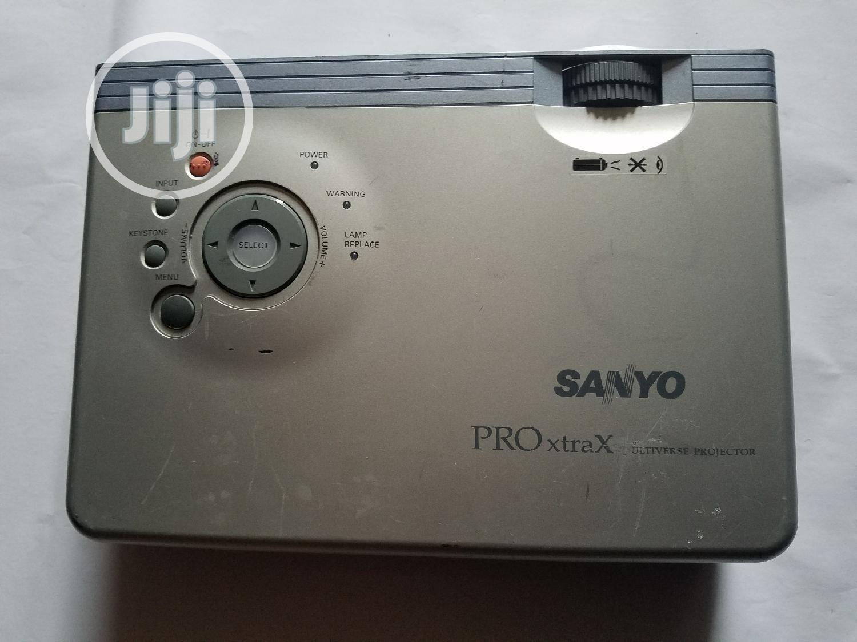 Archive: Sanyo Plc-xu41
