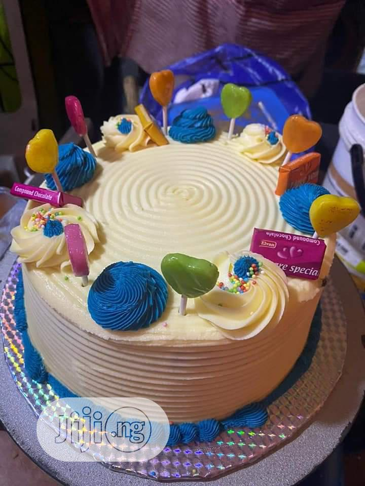 Delicious Vanilla Sponge Cake   Party, Catering & Event Services for sale in Yaba, Lagos State, Nigeria