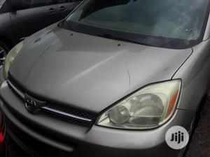Toyota Sienna 2005 Gold   Cars for sale in Lagos State, Apapa