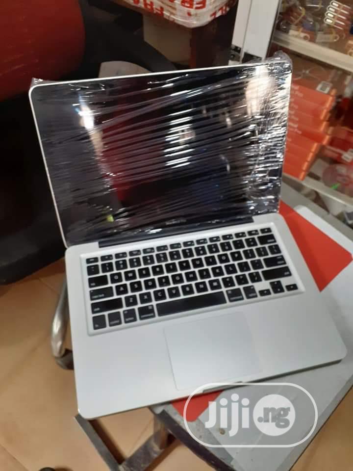 Laptop Apple MacBook Pro 4GB Intel Core i5 HDD 500GB
