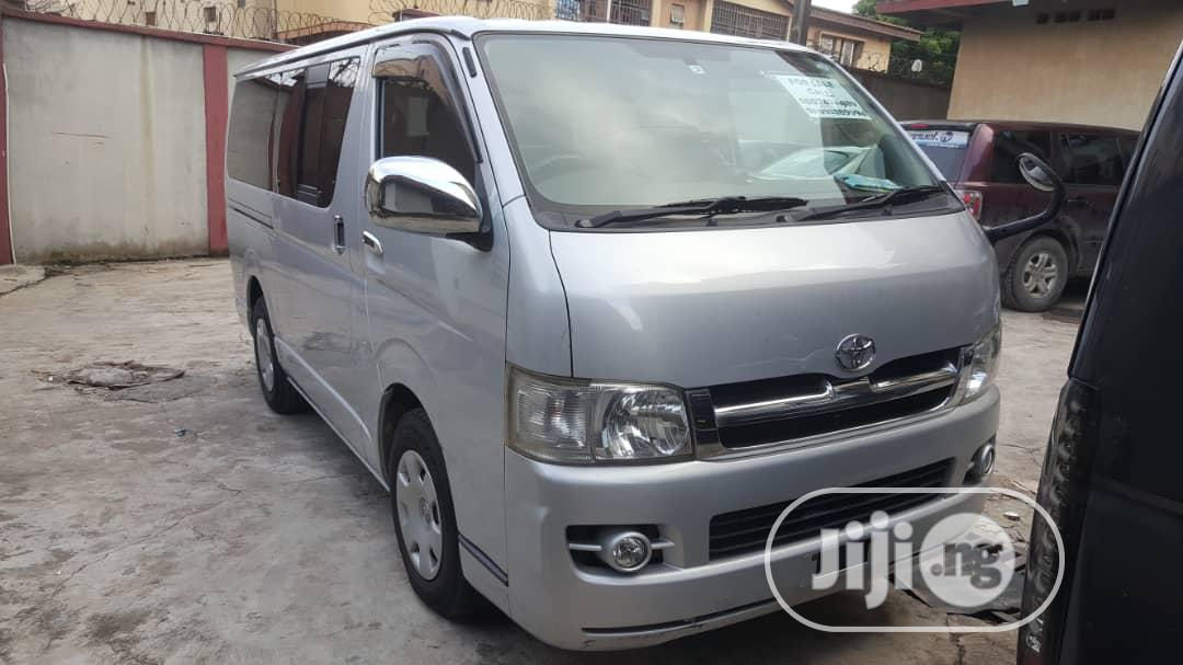 Righty.. Toyota Hiace Hummer Bus,2007 Model, Japan..