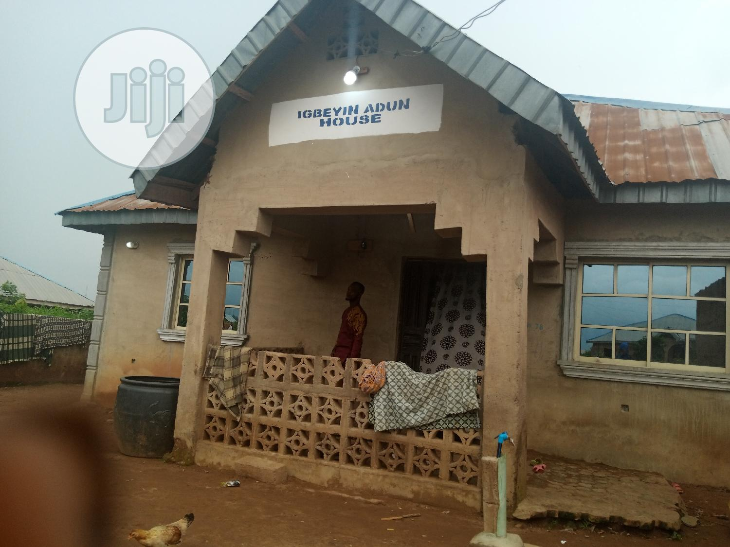 3 Bedroom Bungalow With A Shop At Iyalan Ajia Area Ibadan | Houses & Apartments For Sale for sale in Ibadan, Oyo State, Nigeria