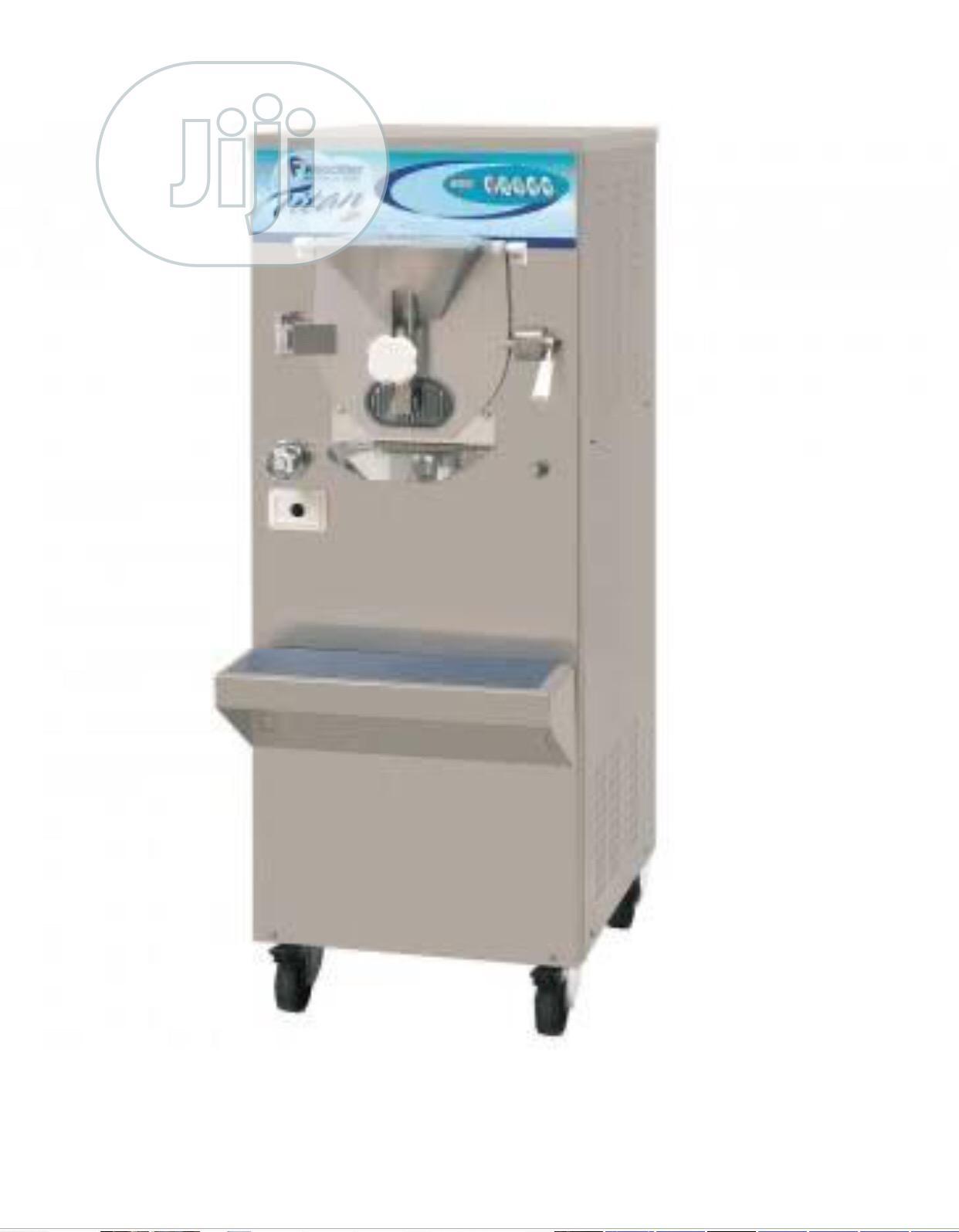 Standing Hard Ice Cream Machine