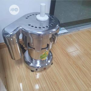Juice Extractor Big Size In Stock | Restaurant & Catering Equipment for sale in Lagos State, Ojo