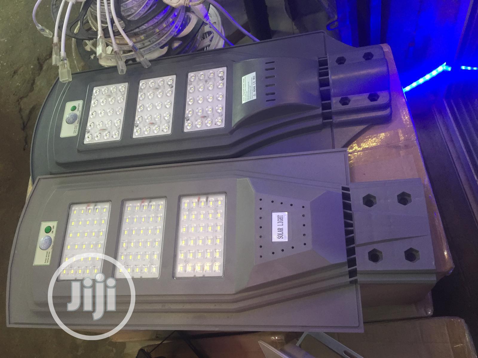 90watts Solar Street Light With Warranty