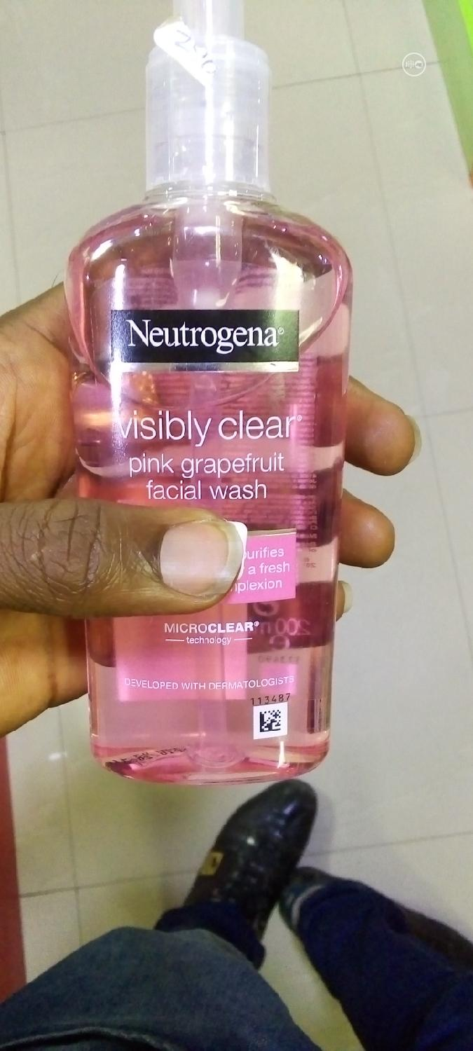 Archive: Neutrogena Visibly Care Pink Grapefruit Facial Wash