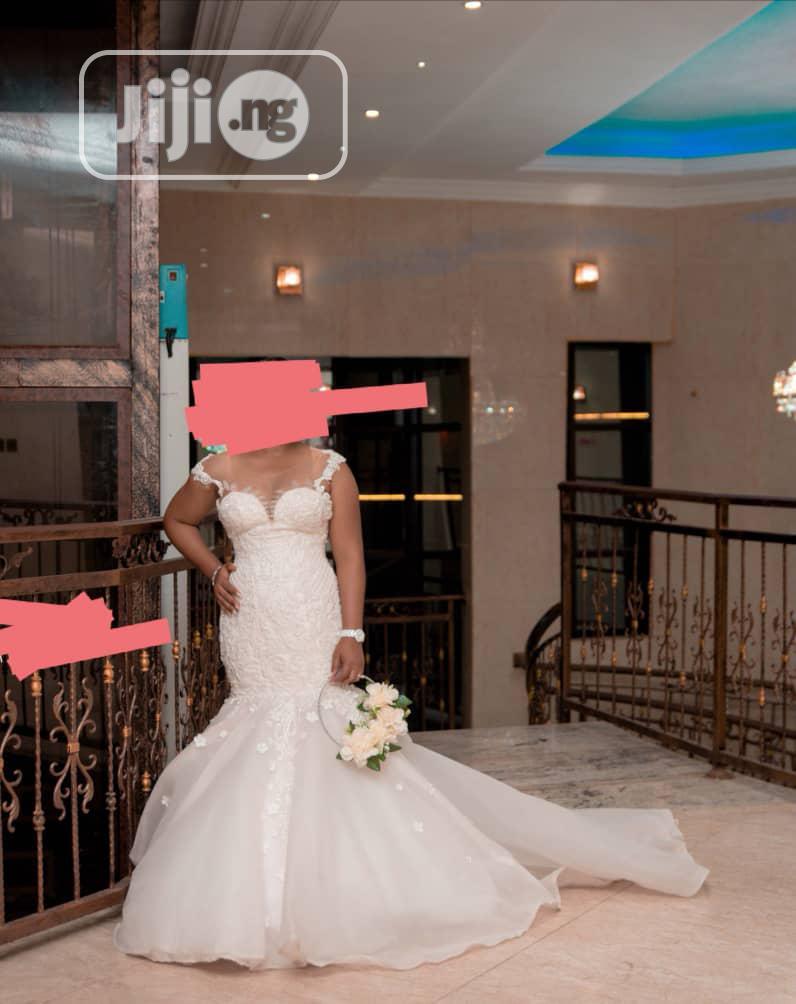 Mermaid Wedding Dress and Flower Bouquet | Wedding Wear & Accessories for sale in Ajah, Lagos State, Nigeria