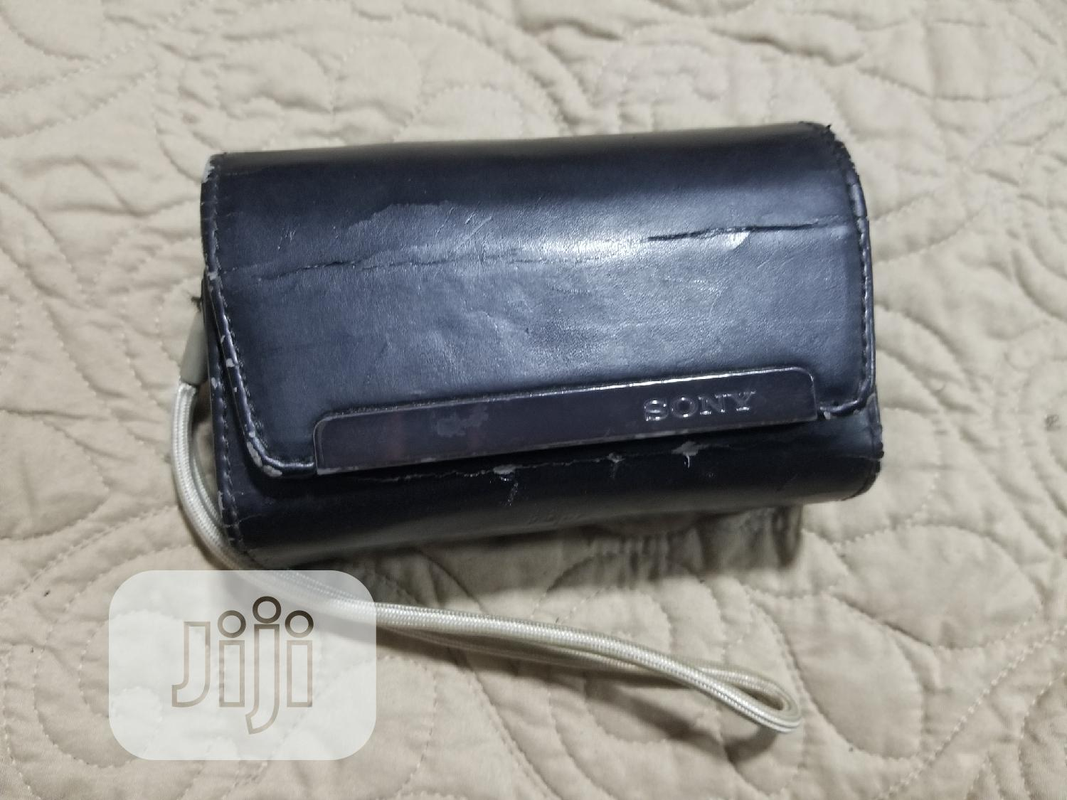 Very Clean And Neatly Used Sony Cybershot Camera   Photo & Video Cameras for sale in Gbagada, Lagos State, Nigeria