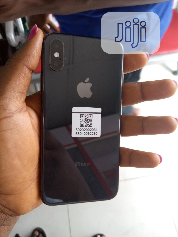 Archive: Apple iPhone XS 64 GB Black