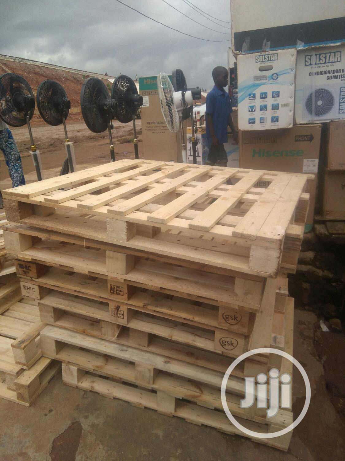 We Have Clean And Durable Pallets