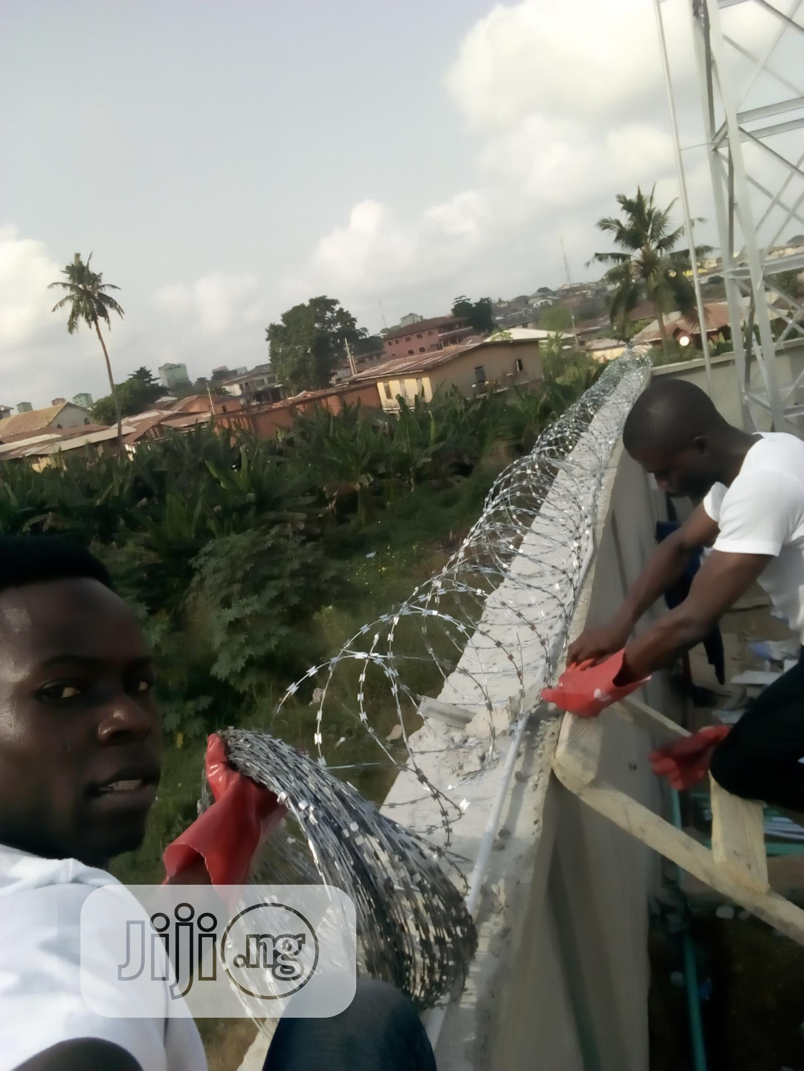 Barbwire And Electric Fence Installations