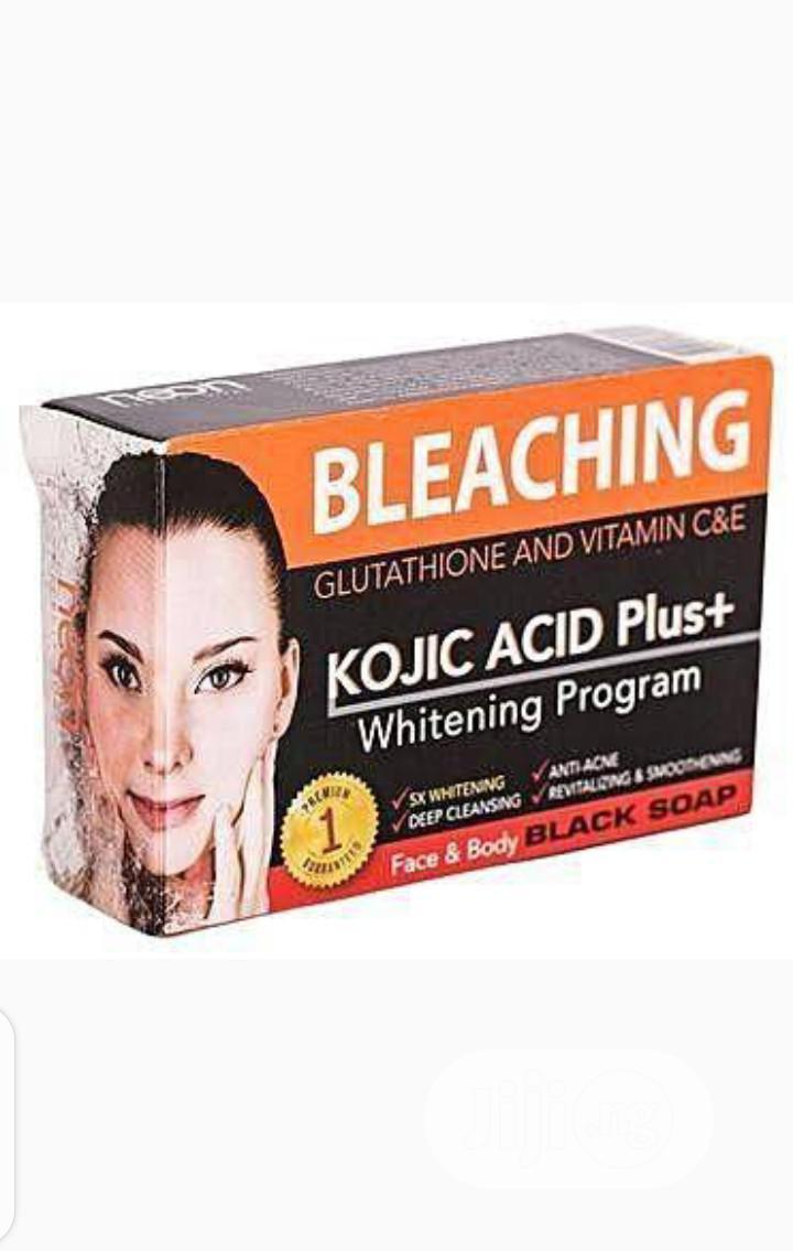 Neon Bleaching Kojic Acid+ With Glutathione Nd Vitamin C & E