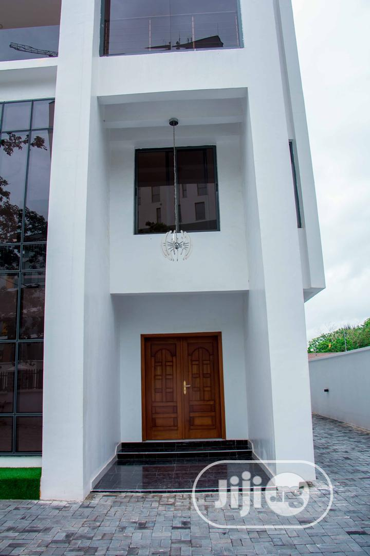 6 Bedroom Duplex in Center Ikoyi With Swimming Pool