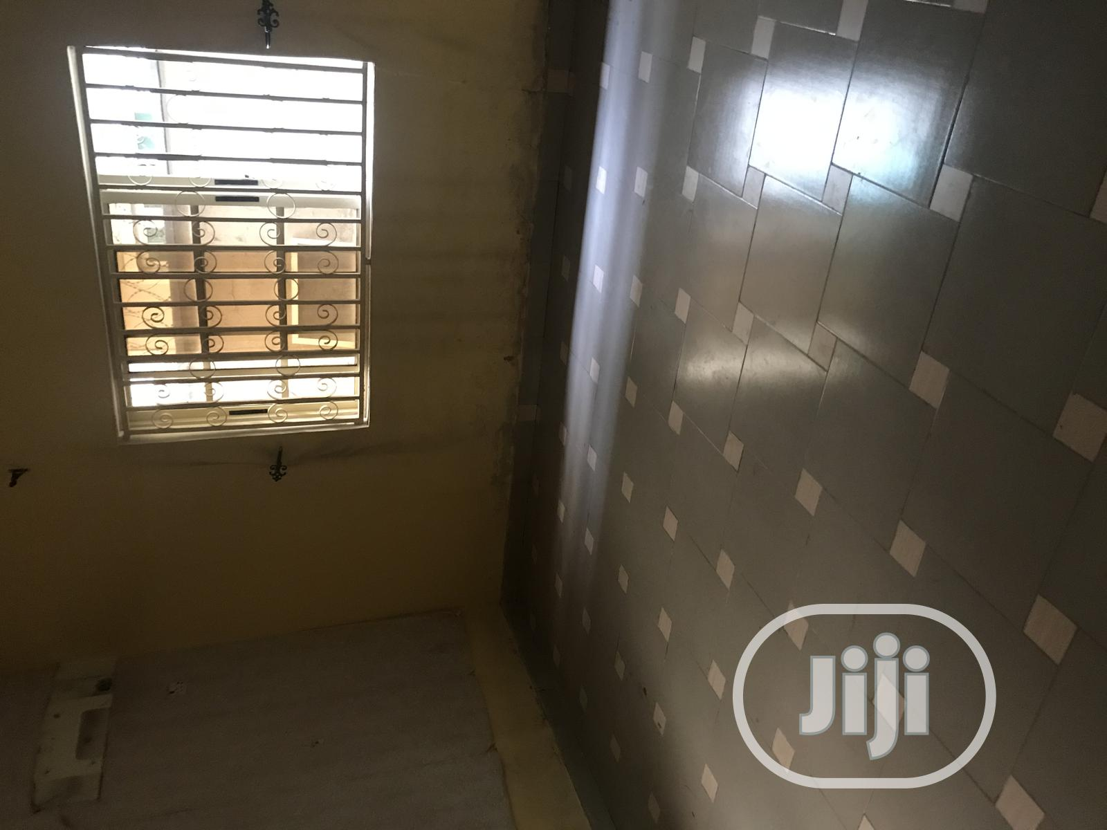 Archive: Exquisitely Built 3 Bedroom Flat At Opic Estate Isheri