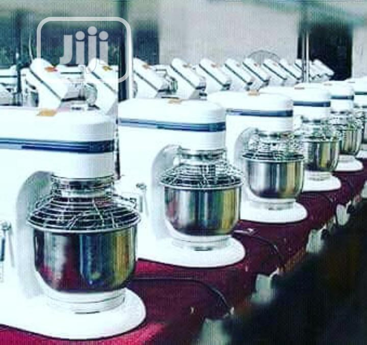 7litres Industrial Cake Mixer With Cover