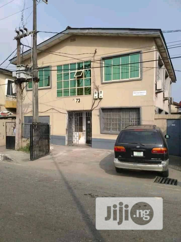Self Contain In Surulere For Rent