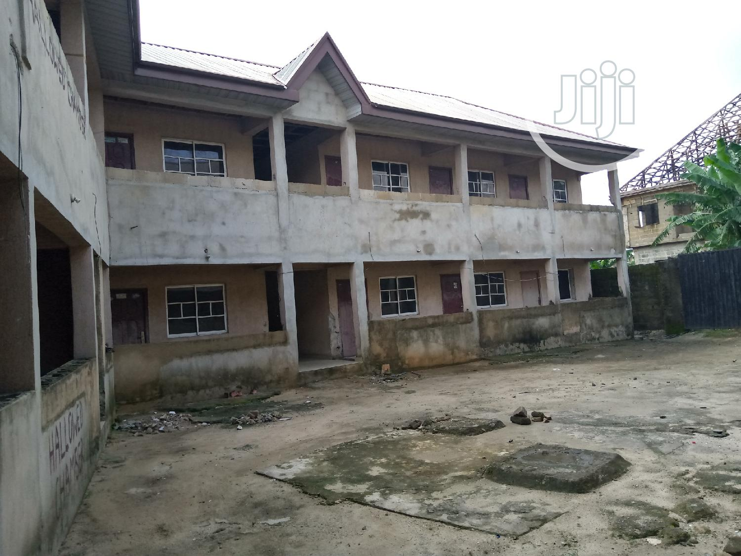 35 Rooms Hotel Block For Sale
