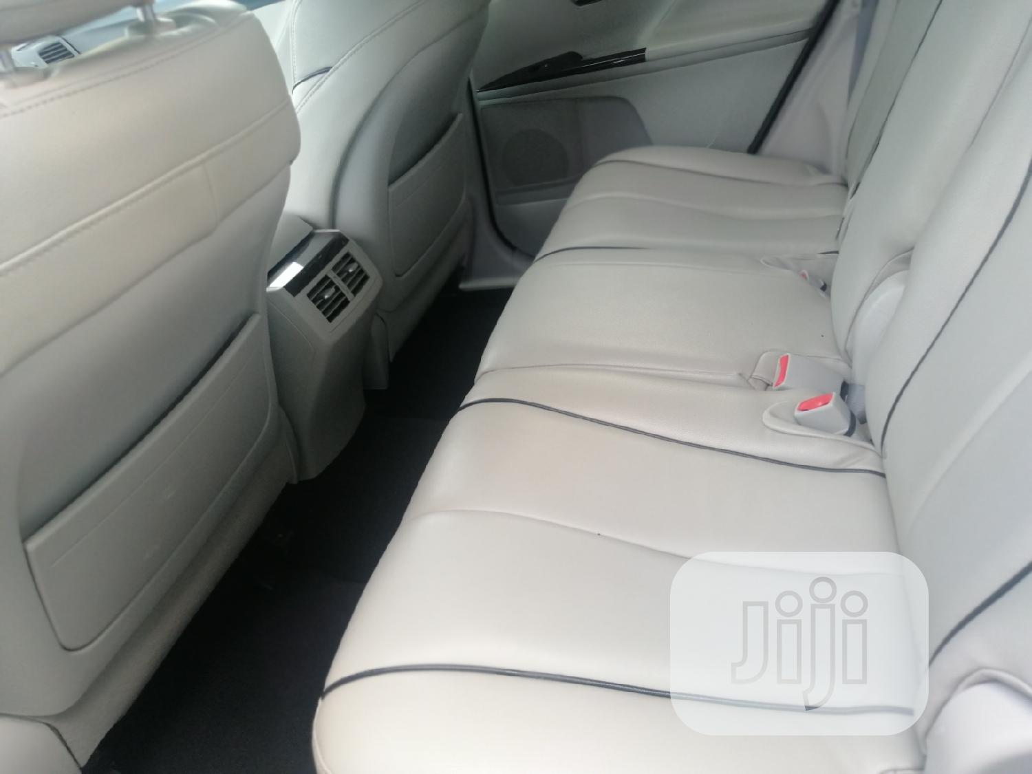 Archive: Toyota Venza 2010 AWD Silver