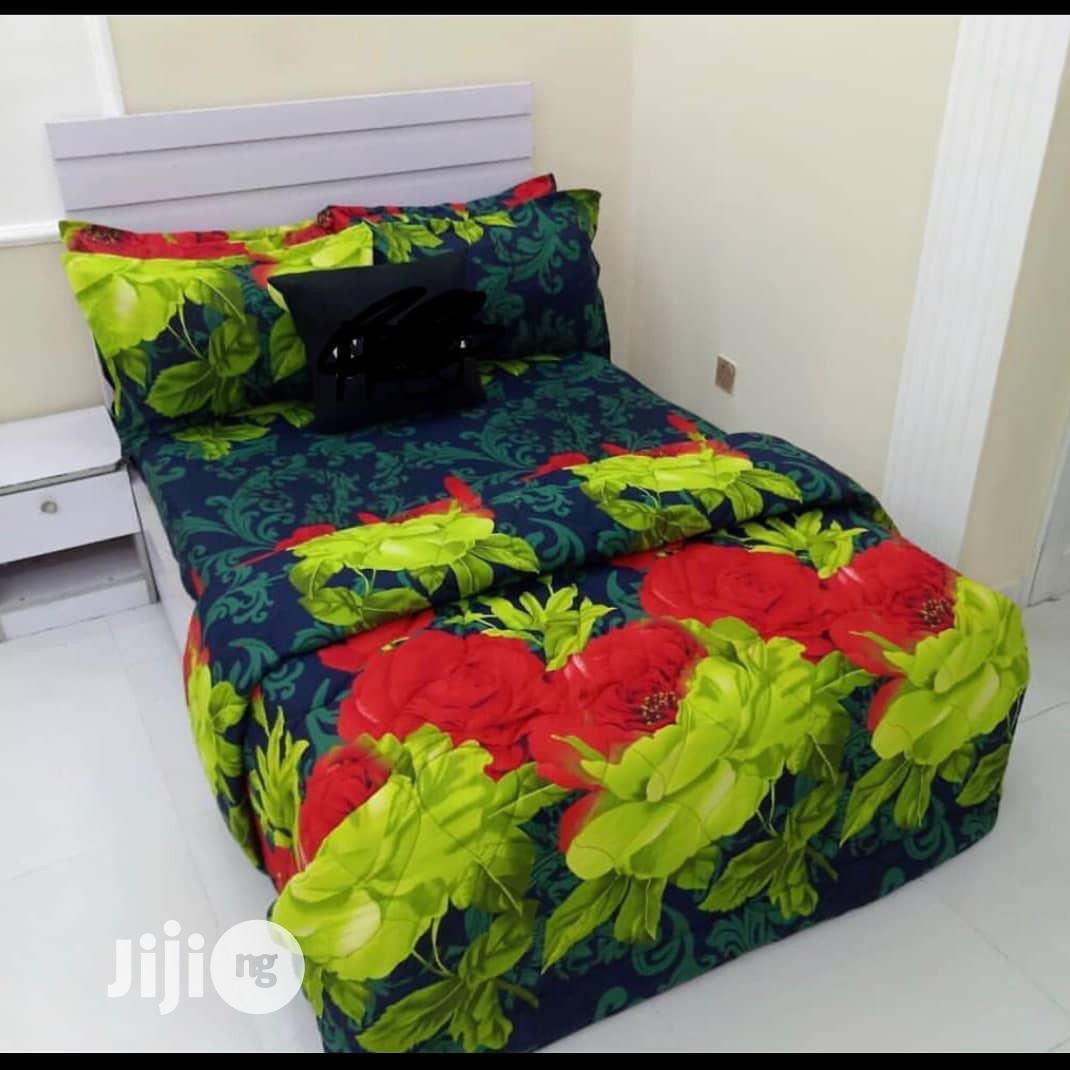 Bedsheet With 4 Pillow Cases -6*6