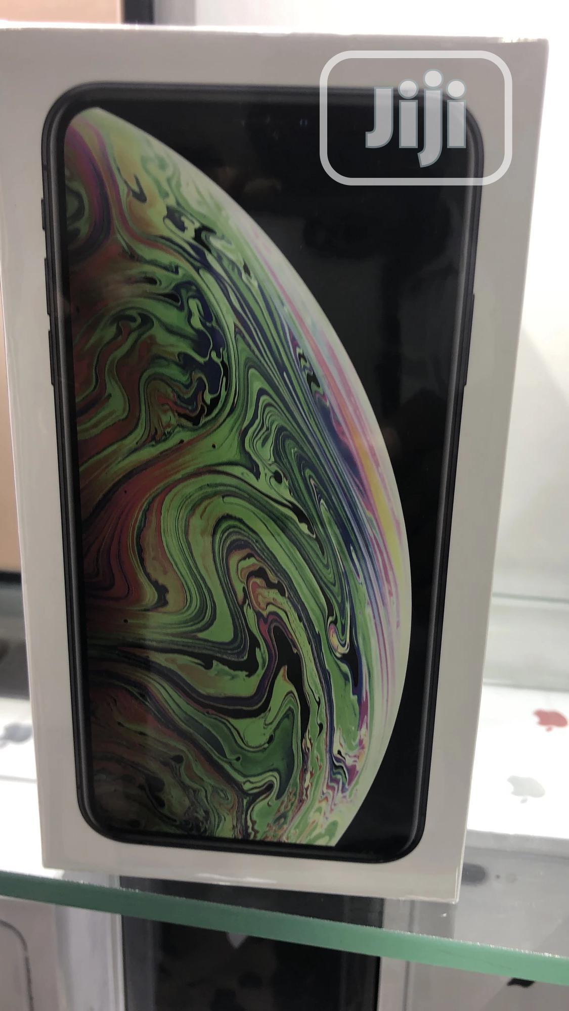 Archive: New Apple iPhone XS Max 64 GB Gold