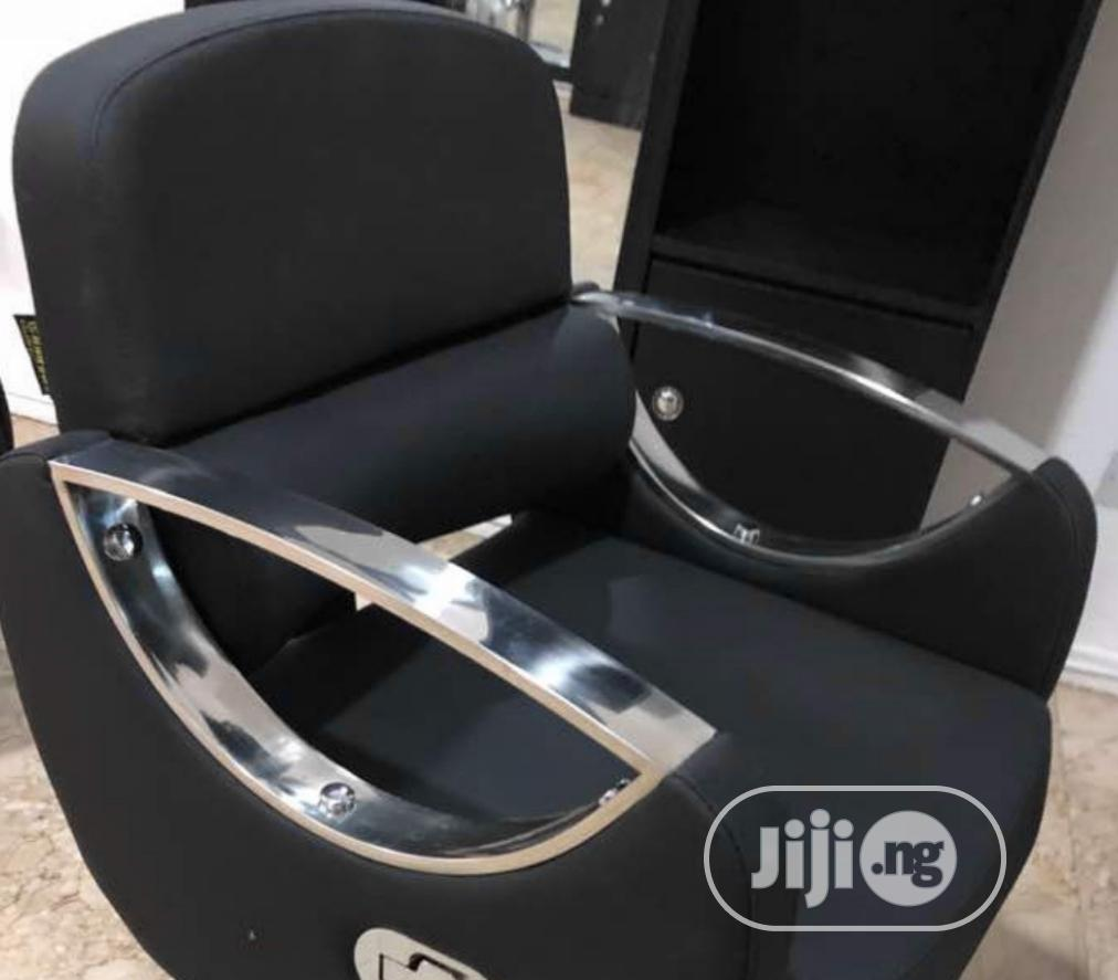 Padded Barber Chair With Quality Back Rest