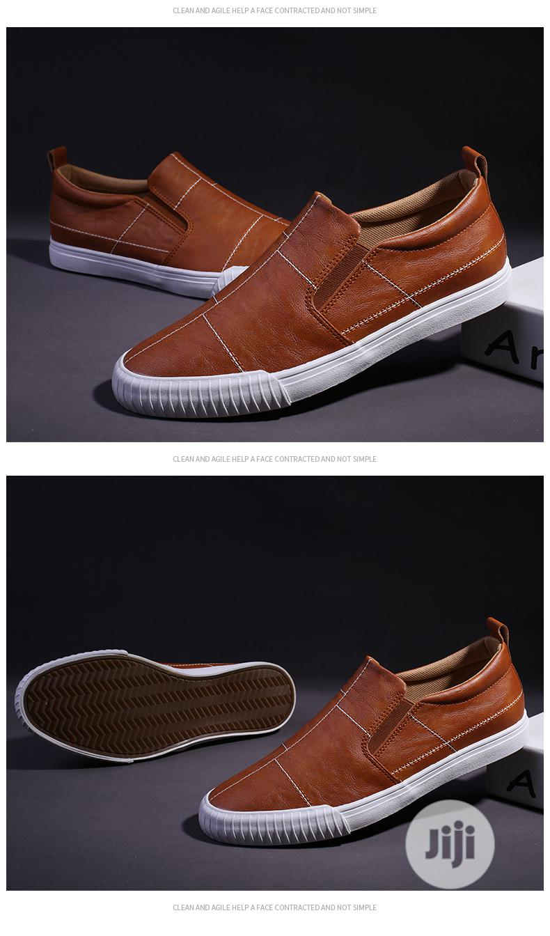 Archive: Breathable Kodes Men Sneakers