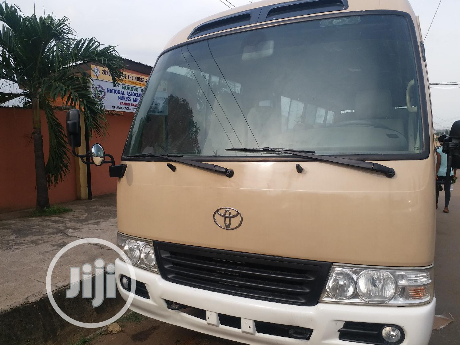 Archive: Toyota Coaster Bus, Leather Seat V4 Engine