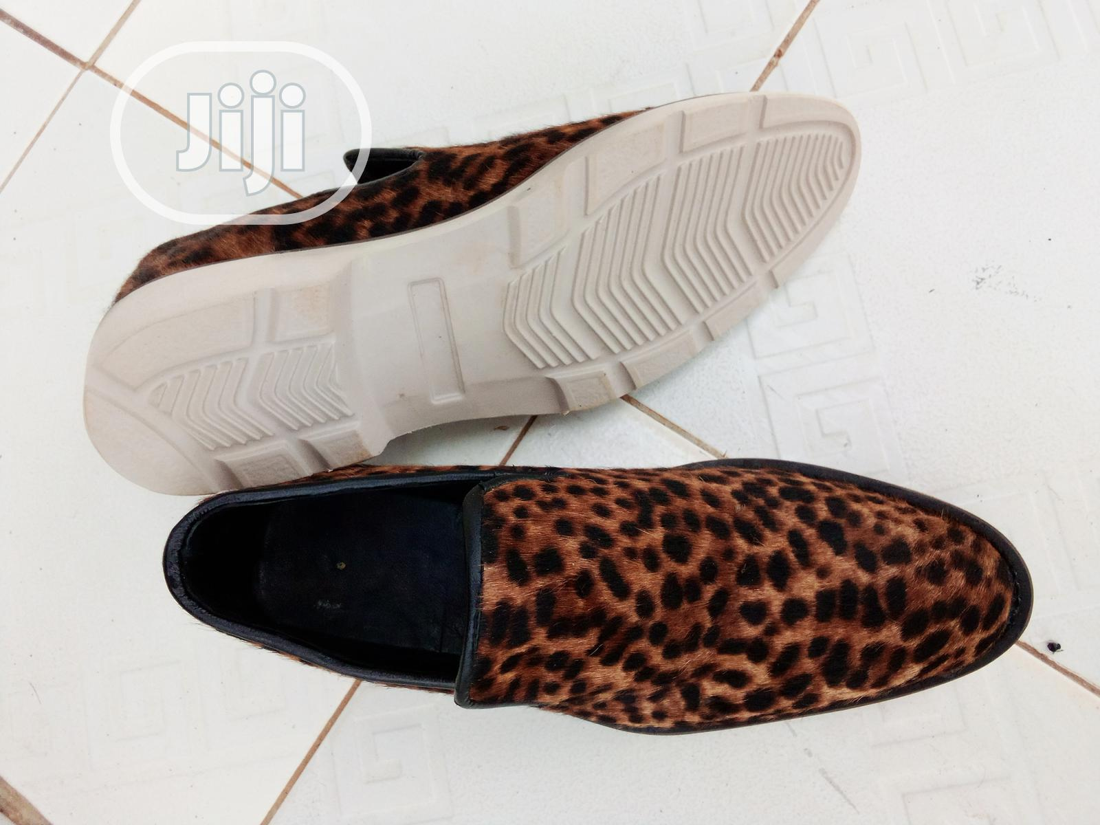 Male Animal Skin Shoes in Central