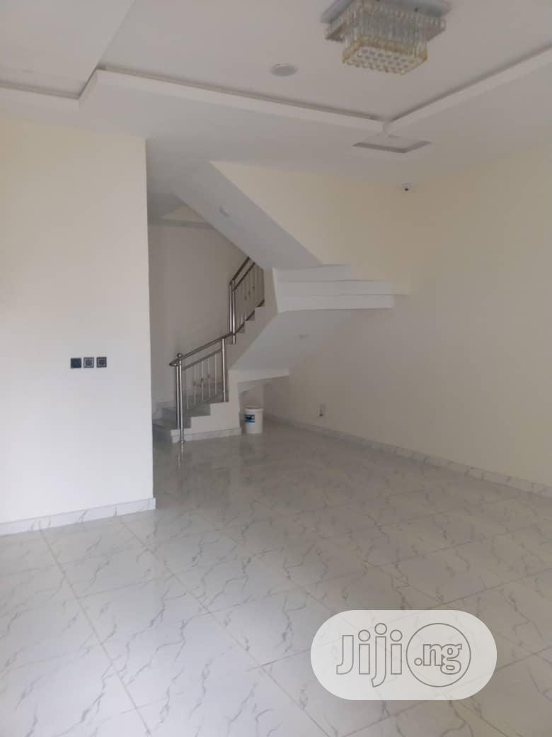 For Sale At Chime Estate Four Flat Of Three Bedroom Ensut