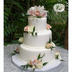 Lovely Wedding Cake For Event   Wedding Venues & Services for sale in Lagos State, Lagos Island (Eko)
