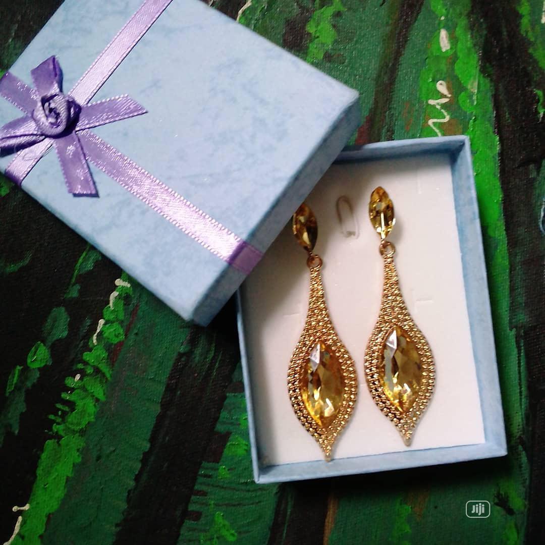 Archive: Drop Earring Gold