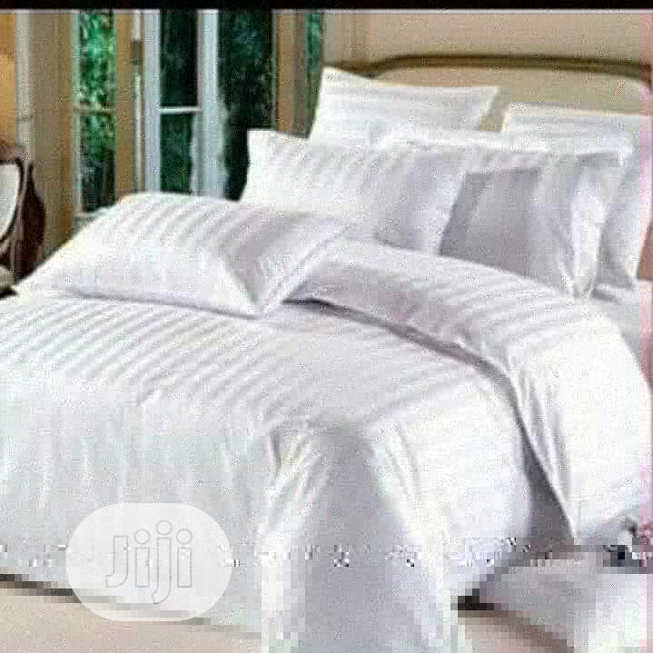 Archive: Duvet And Bed Sheets In Various Sizes And Colors