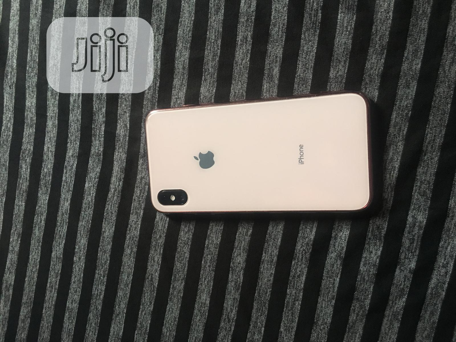 Archive: Apple iPhone XS Max 256 GB Gold