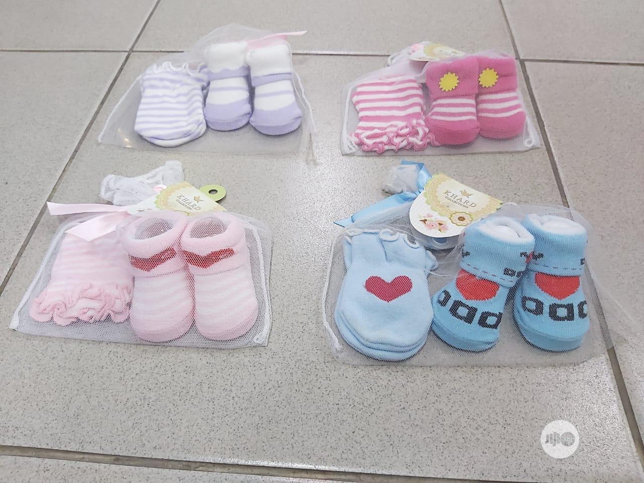Archive: New Born Socks & Gloves (A Pair)