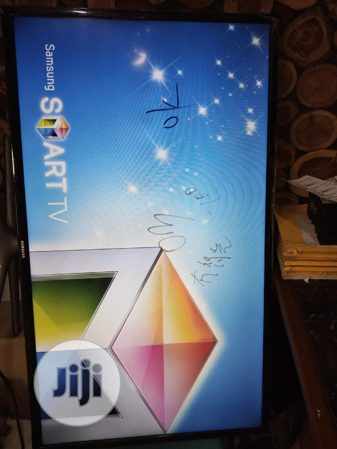 UK Fairly Used 40 Inches Smart Samsung Tv With Screen Mirro