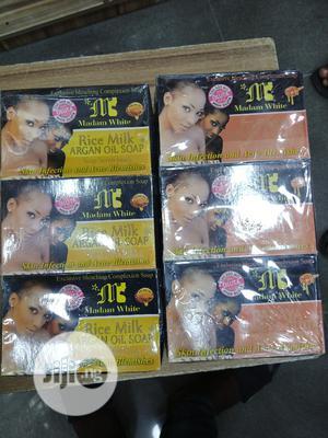 Madam White Papaya Honey And Gluta Soap   Bath & Body for sale in Lagos State, Ikotun/Igando