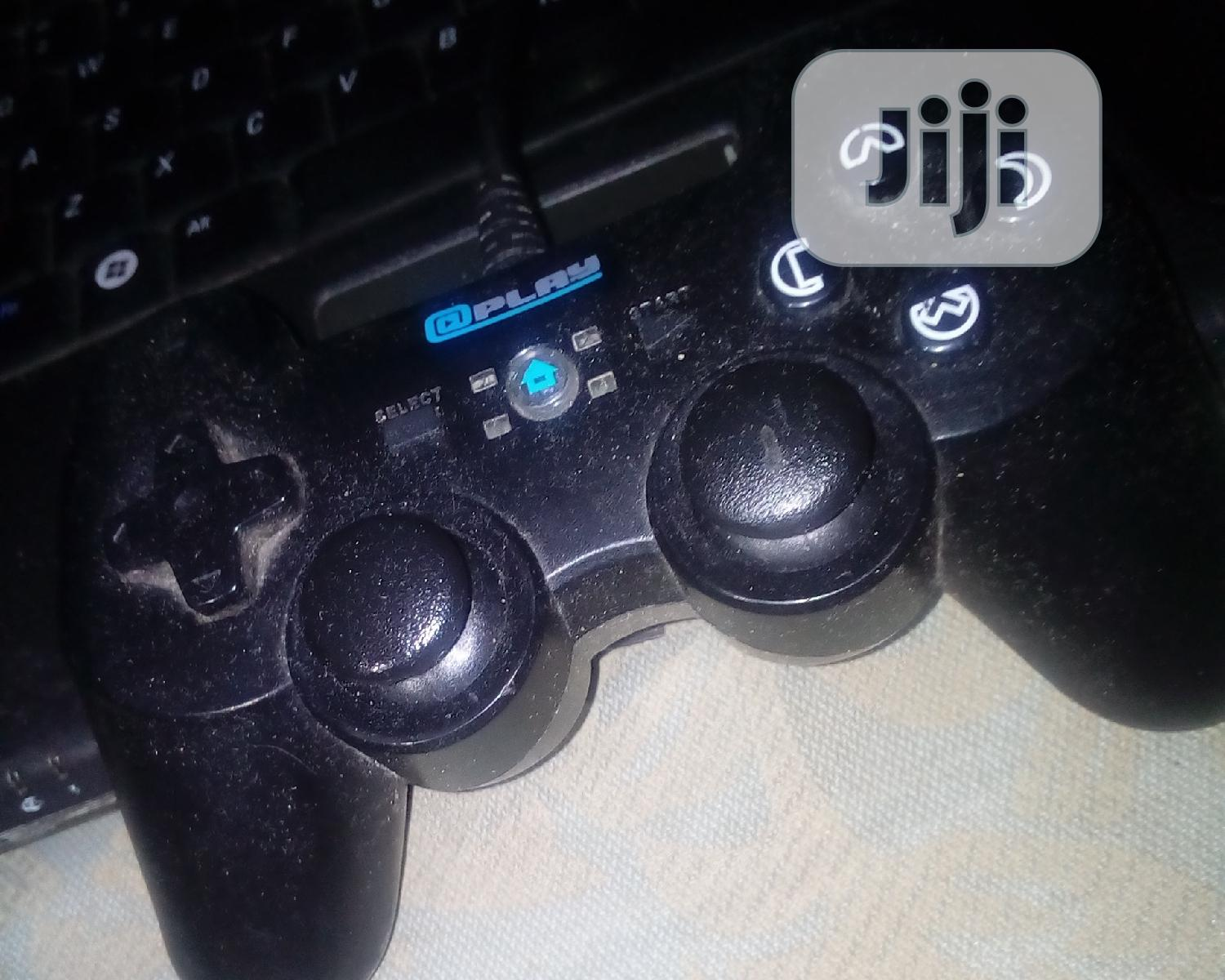 One Xbox Game Pad