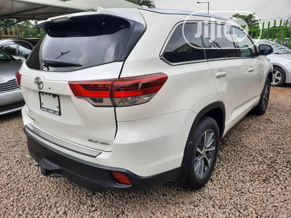 Toyota Highlander 2017 White | Cars for sale in Magodo, Lagos State, Nigeria