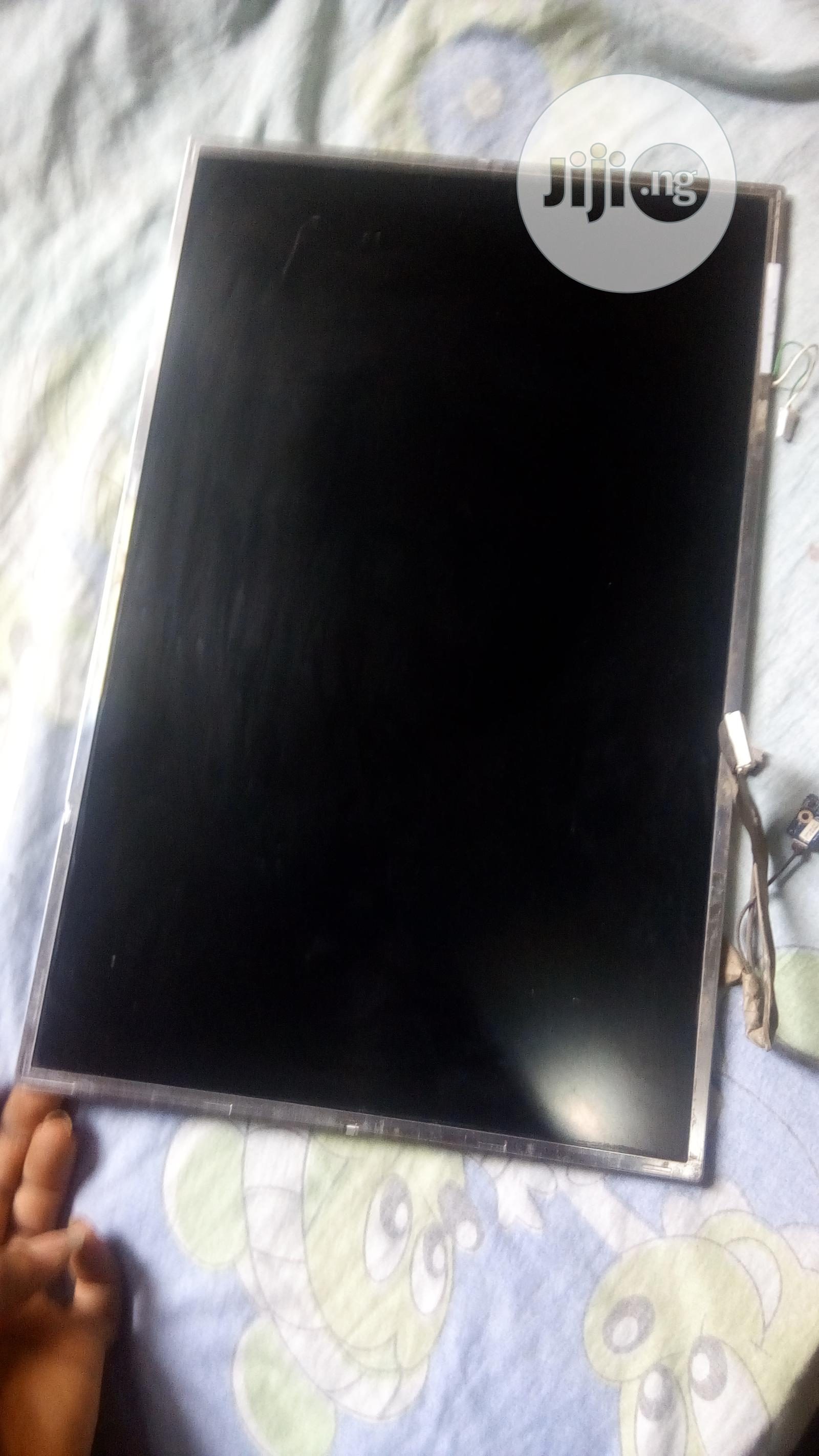 Archive: HP Compaq 8710w Screen Replacement