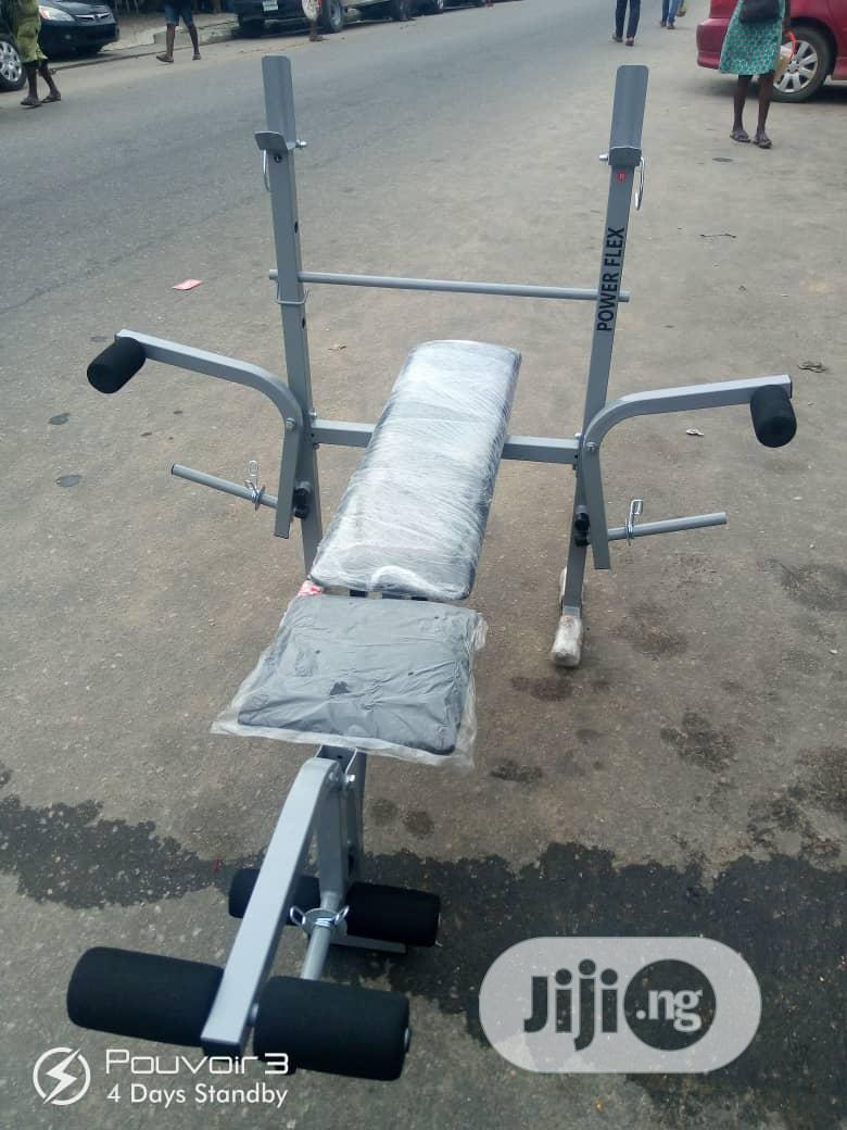 Weight Bench With Weight Plate